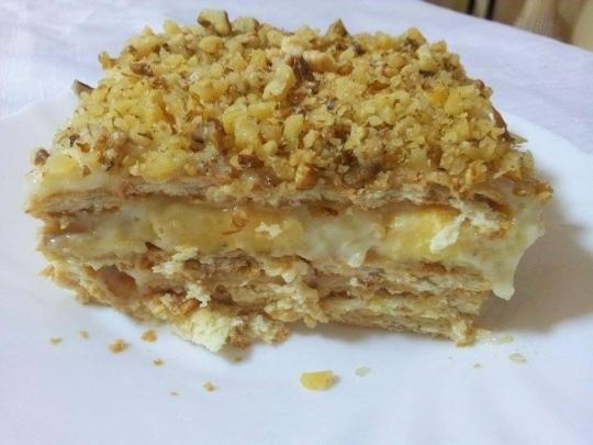 Бисквитена торта с банани