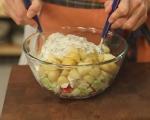 Картофена салата с пилешко и репички 5