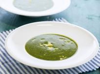 Магданозена супа с шпецле от рикота