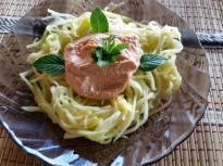 Спагети от тиквички със сос