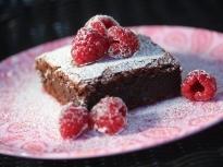 Шоколадов сладкиш с малини