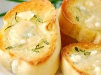 Лесни брускети с топено сирене
