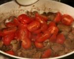 Дробчета с чери домати на тиган 5
