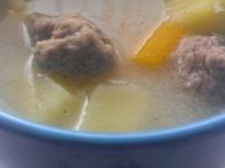 Супа топчета със застройка