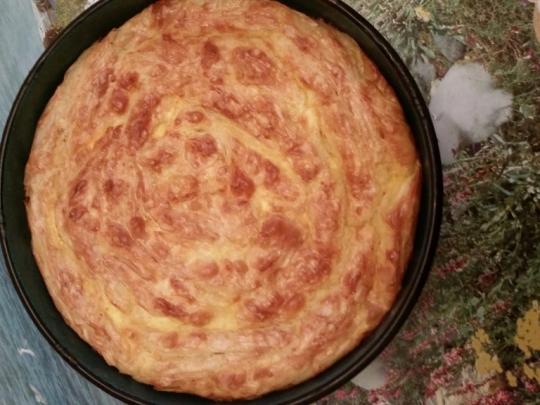 Баница с яйце и сирене