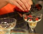Бърз десерт с горски плодове 4