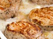 Крехки свински пържоли на фурна