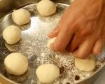 Плоски хлебчета със сирене 4