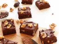 Шоколадово брауни с шоколадов топинг