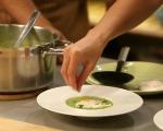 Супа от грах с поширани яйца 8