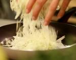 Супа с китайско зеле и наденички 6