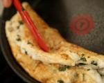 Омлет от белтъци с пилешко и червен сос 6