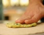 Плоски хлебчета с ароматна плънка 6