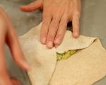 Плоски хлебчета с ароматна плънка 7