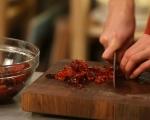 Лютика от сушени чушки с праз