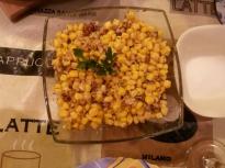 Салата от царевица и орехи