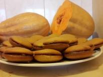 Тиквени сладки с мармалад от ябълки