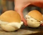 Кардамонени хлебчета с крем от марципан (Семла) 9