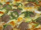 Пица с наденица