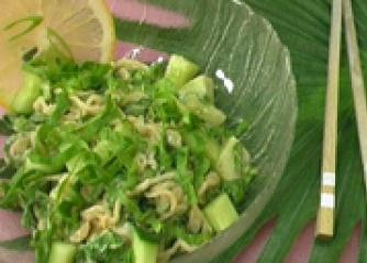 Тайландска спаначена салата