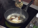 Малиново сорбе с компот от пресни праскови