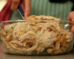 Пилешки гърди с орехов сос 10