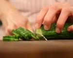 Зелена салата с маслини 2