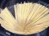 Спагети с песто от рукула