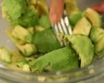 Дип от авокадо и тахан 2