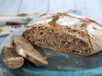 Орехов хляб с квас