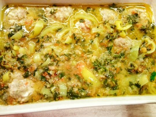 Лятна зеленчукова яхния с кюфтета