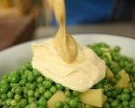 Картофена салата с грах и чушки 4
