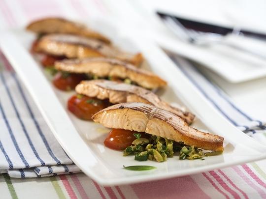 Риба с маслинова салца