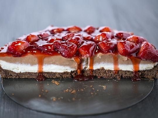 Тарт с шоколад и ягоди