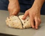Хляб с маслини и сушени домати 5