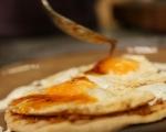 Пържени яйца с млечен сос 6