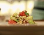 Салата от домати, маслини и авокадо 4
