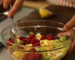 Пъстра плодова салата 2