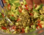 Панирани патладжани със салца от домати и авокадо 5