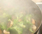 Нудли с телешко и броколи 5