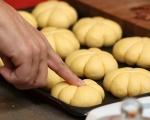 Тиквени хлебчета с медено масло 7