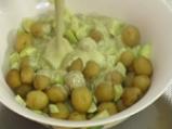 Салата от пролетни картофи с тиквички 3