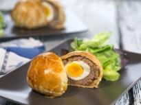 Шотландски яйца в тесто