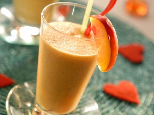 Плодова напитка с праскови