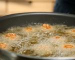 Панирана моцарела с доматен сос 8