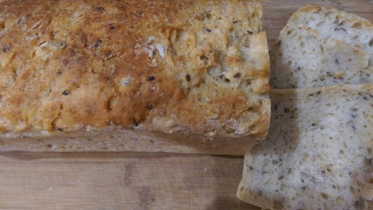 Домашен хляб с квас и семена