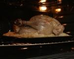 Печена пуйка с плънка от ябълки и орехи 9