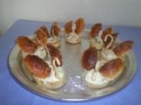 Лебеди от тесто