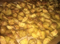 Запечени пресни картофи