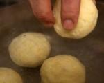 Картофени кнедли със сливи 5